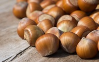 Hazelnuts on wood wallpaper 2880x1800 jpg