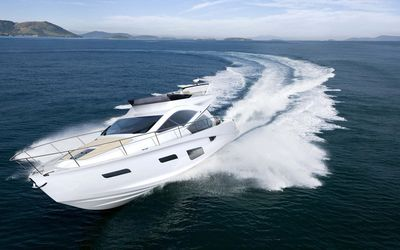 Intermarine 55 luxury yacht wallpaper