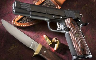 M1911 pistol Wallpaper