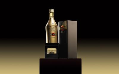 Martini gold wallpaper