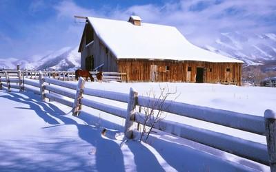 Mountain farm wallpaper