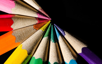 Multicolored pencils wallpaper