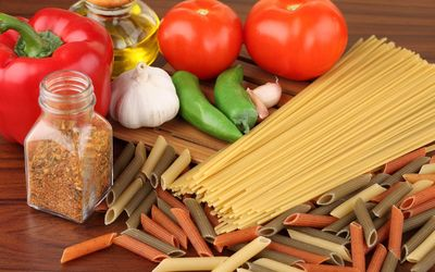 Pasta and vegetables wallpaper