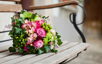 Pink and green bouquet wallpaper 2560x1600 jpg