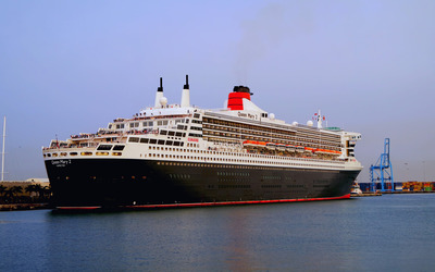 RMS Queen Mary 2 Wallpaper