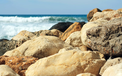 Rocks at the beach wallpaper