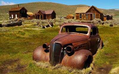 Rusty car wallpaper