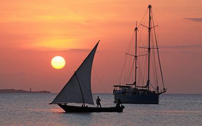 Sailing at sunset wallpaper