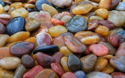 Shiny pebbles Wallpaper