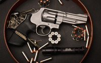 Smith & Wesson revolver wallpaper 2880x1800 jpg
