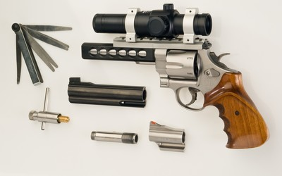 Smith & Wesson revolver [2] wallpaper