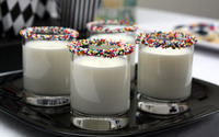 Sprinkled glasses filled with milk wallpaper 1920x1200 jpg