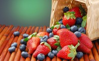 Strawberries and blueberries wallpaper 2560x1600 jpg