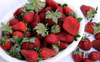 Strawberries in a bowl wallpaper 1920x1080 jpg