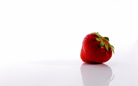 Strawberry reflection wallpaper 1920x1200 jpg