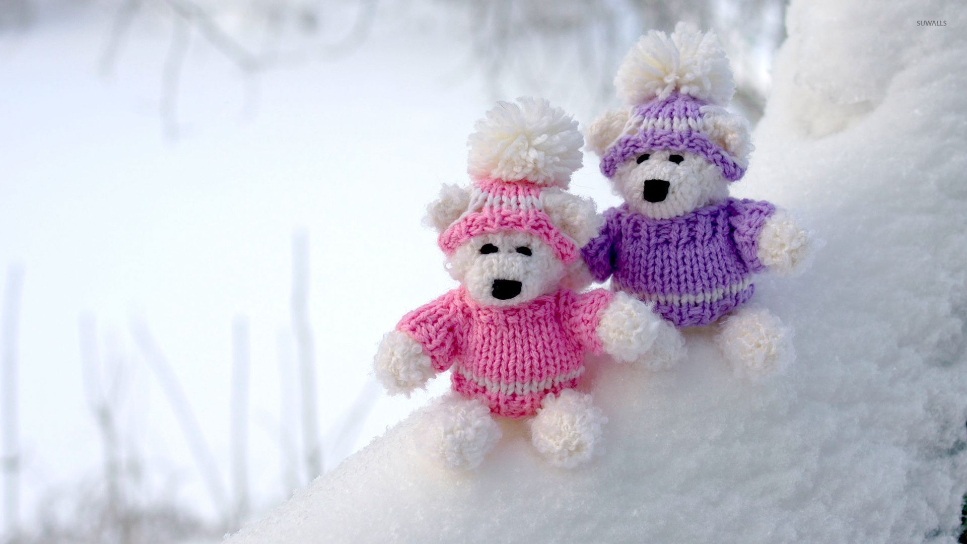 Teddy Bear Couple On Snowy Ground Wallpaper