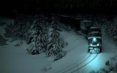 Train in the winter night wallpaper