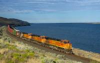 Train on the water side wallpaper 3840x2160 jpg