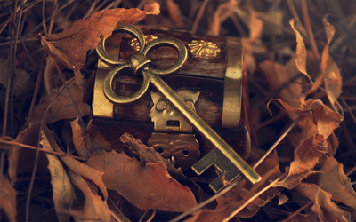 Treasure chest with key wallpaper