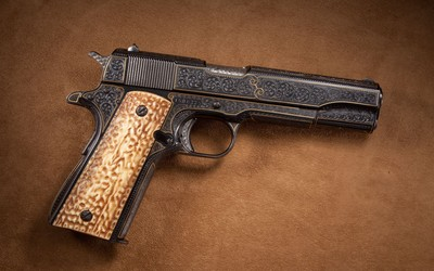 Vintage pistol wallpaper