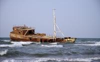Waves splashing on the ship wreck wallpaper 1920x1200 jpg