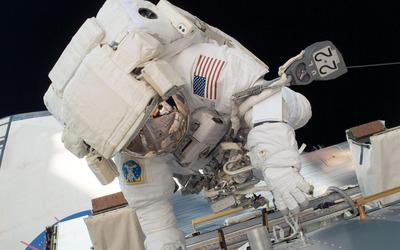 Astronaut [5] wallpaper
