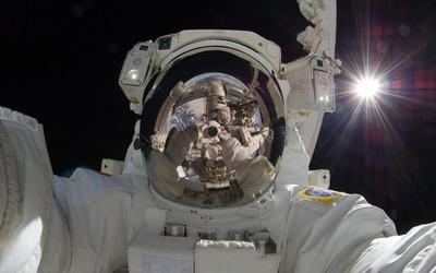 Space selfie wallpaper