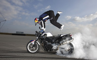 Chris Pfeiffer on a BMW F800R wallpaper 3840x2160 jpg