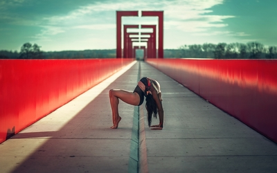 Gymnast on a bridge wallpaper