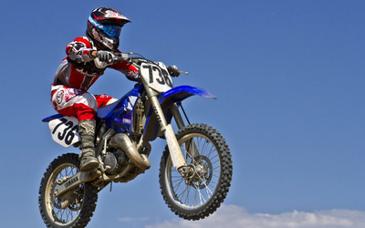 Yamaha motorcycle in the air wallpaper