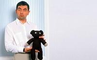 Mr. Bean with his teddy bear wallpaper 1920x1200 jpg