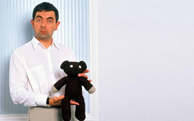 Mr. Bean with his teddy bear wallpaper