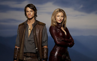 Richard Cypher and Cara - Legend of the Seeker wallpaper
