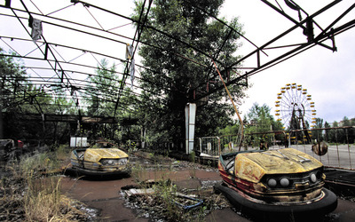Abandoned fun park wallpaper
