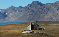 Abandoned house in Svalbard, Norway wallpaper 2880x1800 jpg