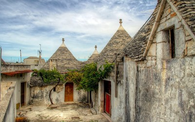 Alberobello, Italy wallpaper