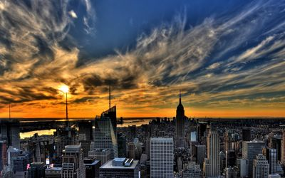 Amazing sunset sky above New York City wallpaper