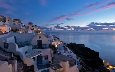 Beatiful sunset sky above Santorini wallpaper