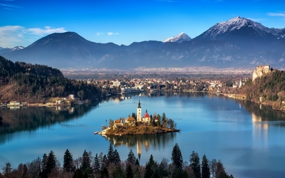 Bled Island on a peaceful day wallpaper