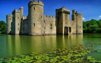 Bodiam Castle in England wallpaper 1920x1200 jpg