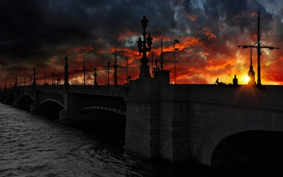 Bridge in Saint Petersburg at sunset wallpaper