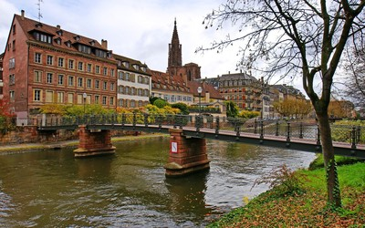Bridge near Strasbourg Cathedral wallpaper