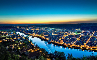 Cahors at night, France wallpaper