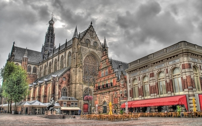 Cathedral of Saint Bavo in Haarlem wallpaper