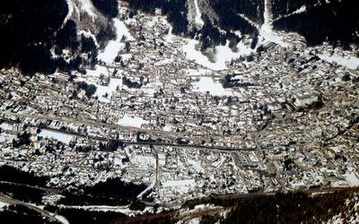 Chamonix-Mont-Blanc wallpaper
