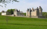 Chateau de Montpoupon on a sunny day wallpaper 1920x1200 jpg
