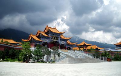Chongsheng Temple in Yunnan, China wallpaper