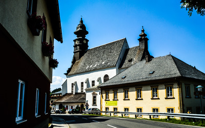 Church and school in Annaberg wallpaper
