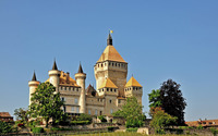 Clear blue sky over Vufflens-le-Chateau castle wallpaper 1920x1200 jpg