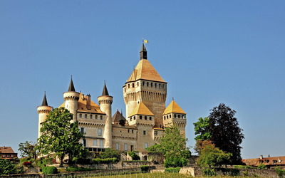 Clear blue sky over Vufflens-le-Chateau castle wallpaper